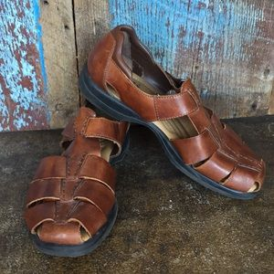 Earth Shoe Brown Harlen Sandals